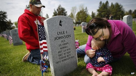 A family honours a Korean War veteran in Minnesota
