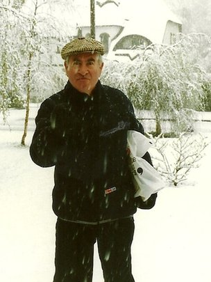 Bill Pertwee plays Hodges in the snow - pic taken by Geraldine Guthrie