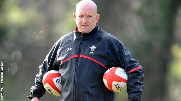BBC Sport - Wales tour: Shaun Edwards eyes 'huge' Japan test