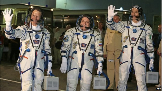 Karen Nyberg (L), Fyodor Yurchikhin (C), and Luca Parmitano (R) will stay in orbit until November