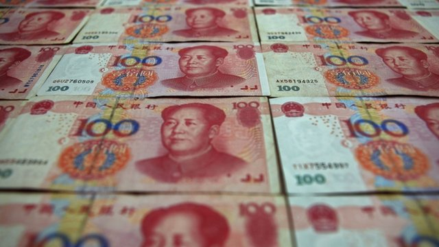 Chinese 100 yuan banknotes in Beijing