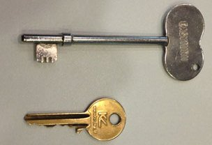 A Radar key and Yale key