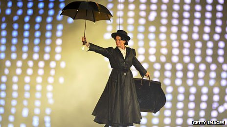 A model as Mary Poppins