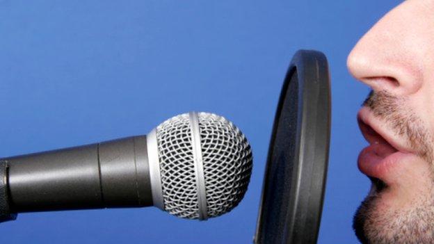 Commentator