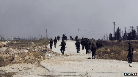 Syrian government troops in Arjun in Qusair, 30 May 2013