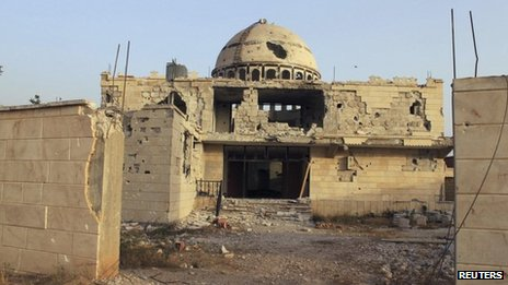 Photograph purportedly showing damaged mosque in Arjoun village near Qusair (30 May 2013)