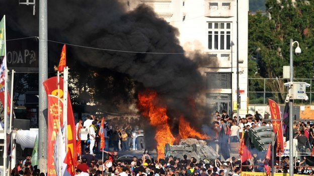 Clashes in Taksim square in Istanbul 3 June 2013