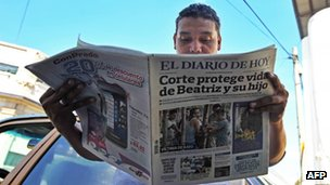 Newspaper in San Salvador, 30 May 2013