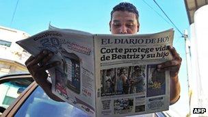 Newspaper in San Salvador, 30 May 2013