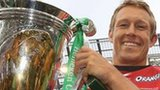 Jonny Wilkinson celebrates winning the Heineken Cup