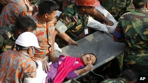 Reshma Begum being rescued from the collapsed Rana Plaza building
