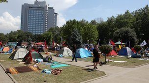 Tents set up by protesters at Gezi Park (6 June 2013)