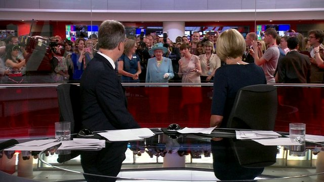 The Queen behind the BBC newsroom studio