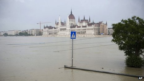 The lower embankment of Buda is seen after it was inundated by the flooding River Danube in Budapest, Hungary, 6 June 2013
