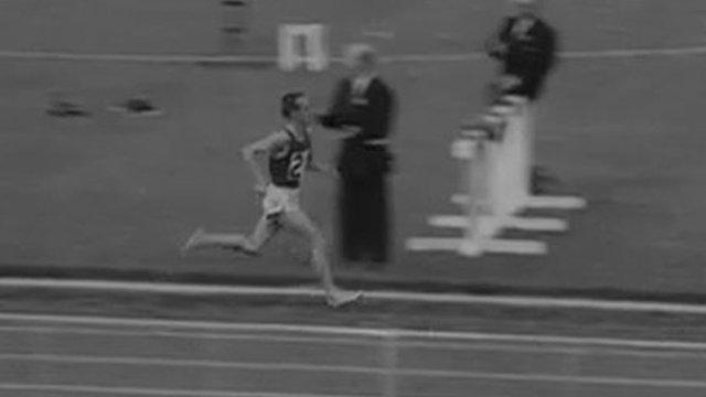 Frank Salvat running at White City