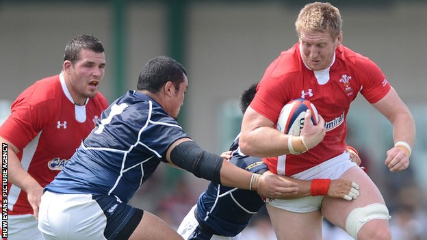 Wales captain Bradley Davies on the charge against Japan