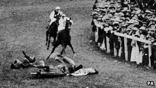 Suffragette Emily Davison throws herself at King George V's horse