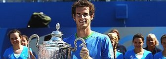 Andy Murray with the Aegon Championship trophy