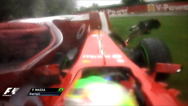 Felipe Massa crashes during qualifying