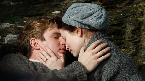 Dan Stevens as Gilbert Evans and Emily Browning as Florence Carter-Wood in Summer in February