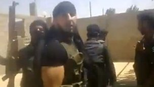 Online video purportedly showing Syrian rebel fighters in Deir al-Zour village of Hatla (11 June 2013)