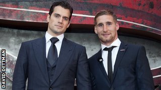 Sam Tomkins (right)