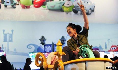Yun Dai of Los Angeles, gamer at E3