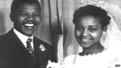 Nelson Mandela (L) and Winnie Madikizela-Mandela on their wedding day