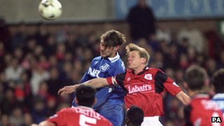 Duncan Ferguson and Stuart Pearce