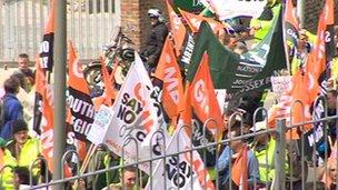 Marching GMB members