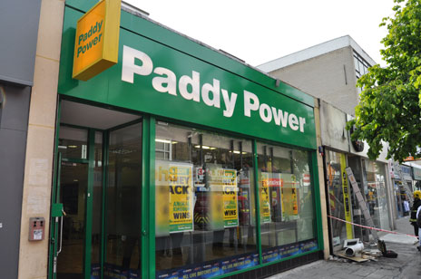 Paddy Power, High Street North