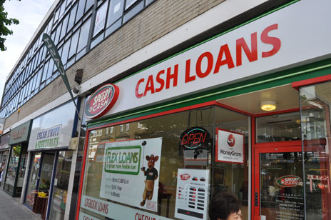 Cash Loans sign, High Street North