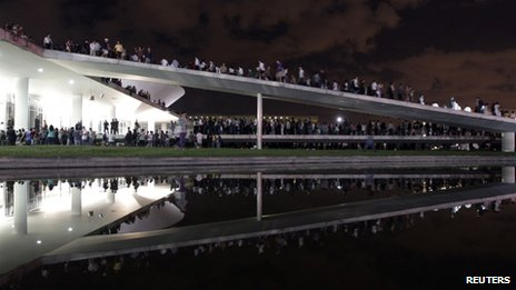 Demonstrators outside the national congress building in Brasilia (17 June)