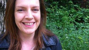 Nicola MacIntyre in front of a tree