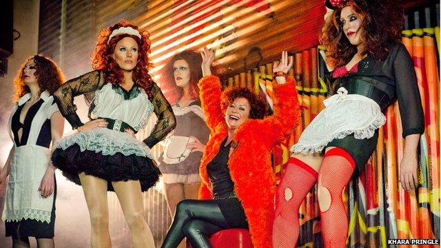 Patricia Quinn and some drag artist Magentas