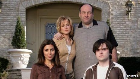 (l-r) Jamie-Lyn Sigler, Edie Falco, James Gandolfini and Robert Iler
