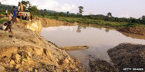 Informal gold mine in Ghana