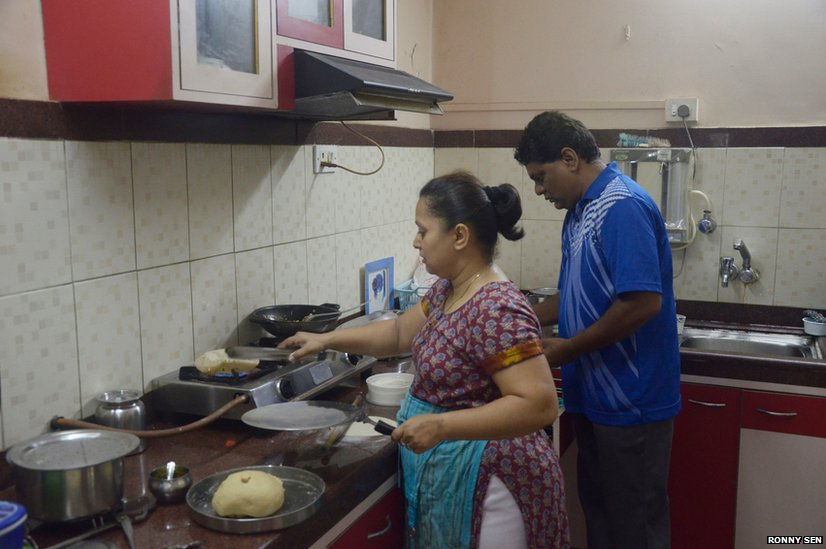 In Pictures An Indian Middle Class Family Bbc News