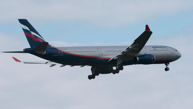 Plane believed to be carrying Snowden to Moscow