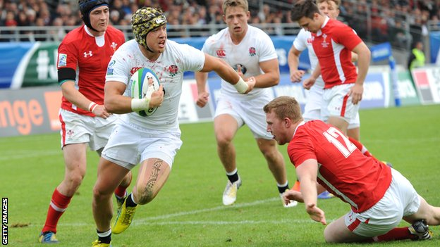 Jack Nowell races over to score England's first try