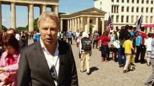 Gavin Hewitt at the Brandenburg Gate