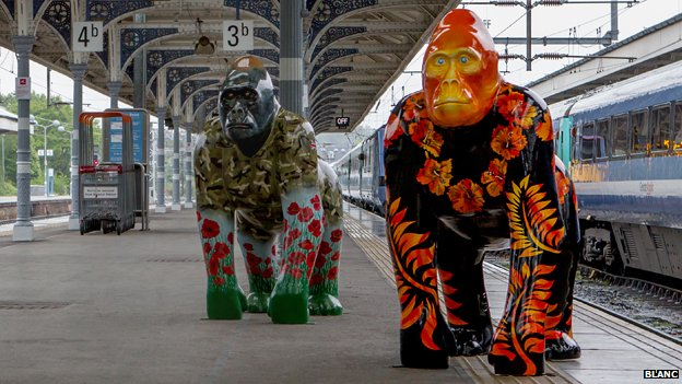 Go Go Gorillas arrive at Norwich station