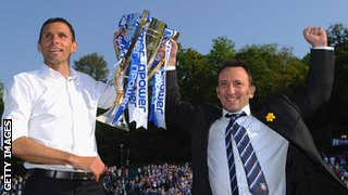 Gus Poyet (l) and Tony Bloom