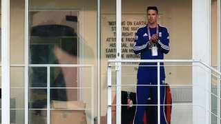 Kevin Pietersen watches England's chase