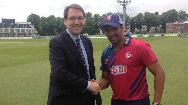 Jamie Clifford (l) and Vernon Philander