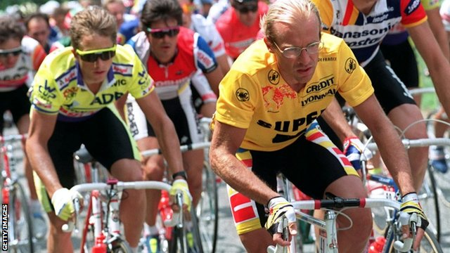 Greg Lemond (left) and Laurent Fignon during the 1989 Tour de France