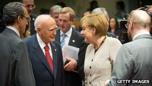 Chancellor Angela Merkel and Greek President Karolos Papoulias