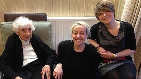 Anne Schotts (far left) with Naomi Lumsdaine (far right)