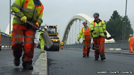 Workmen on Walton Bridge