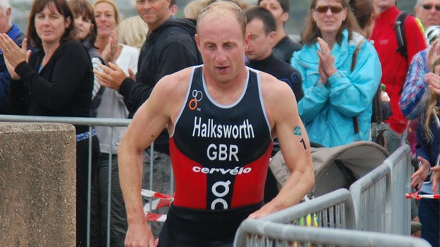 Dan Halksworth in the Jersey Triathlon